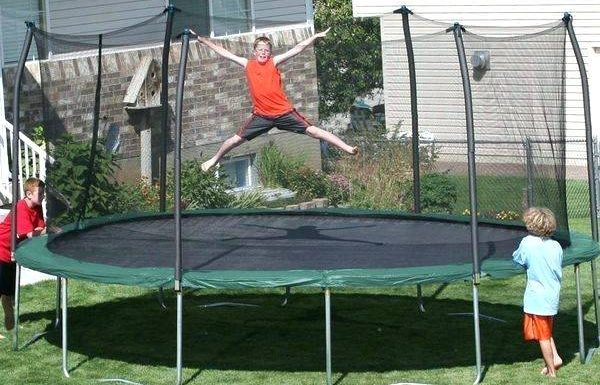 Find Reliable Rectangular Trampolines for Classic Backyard Fun